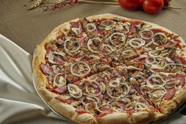 Піца НеаполітанськаNeapolitanska Pizza