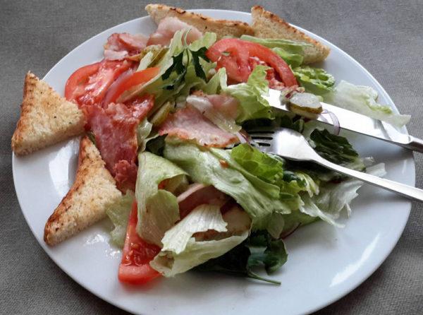 Салат Теплий салат з беконом