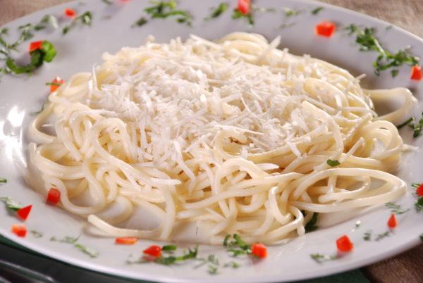 Спагеті з сиром Пармезан